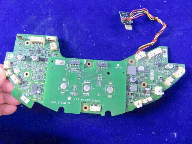 Ремонт системной платы робота пылесоса.