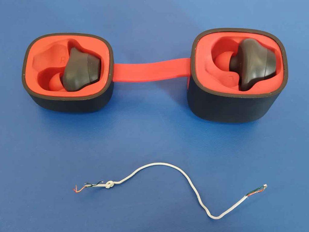 Ремонт Bluetooth наушников и колонок в Запорожье.